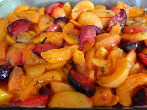 Fruit filling for 650 Apricot-Pluot Crisp