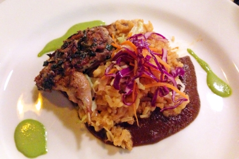 Codorniz con Mole: quail, vegetable rice, cabbage, mole