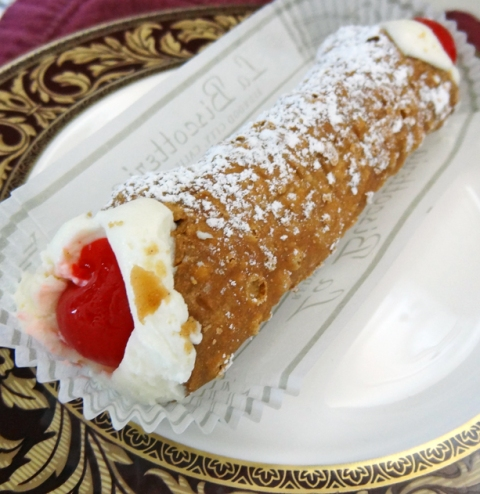 classic-cannoli-sideview