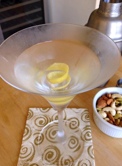 cocktail-in-kitchen
