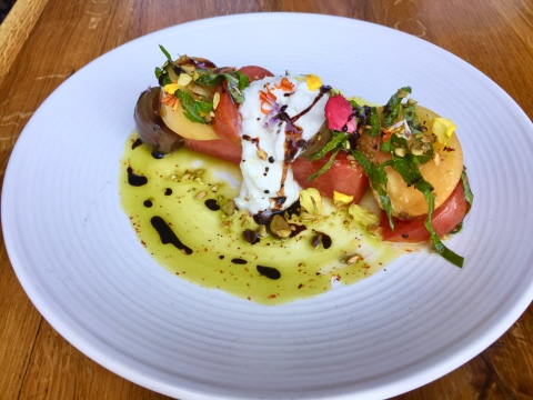tomato and burrata salad